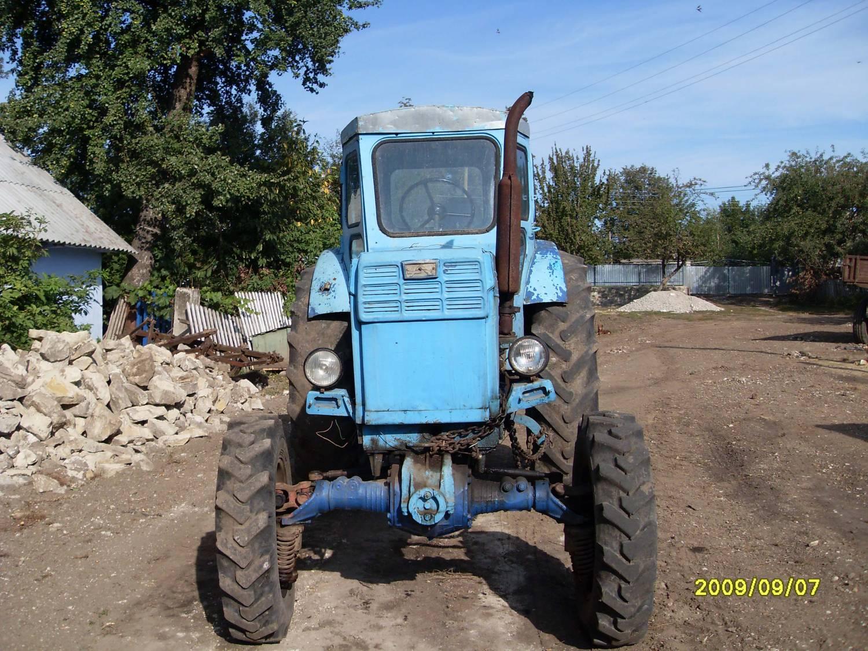 Продам трактор Т-40ам в хорошому стані, а також 2-корпусний плуг